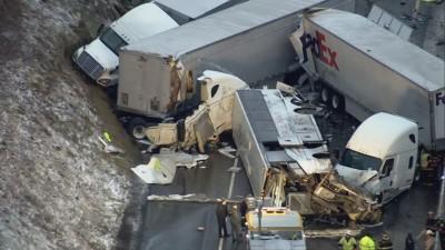 巴士翻車、大小車輛撞成一團 賓州重大車禍傳5死60傷