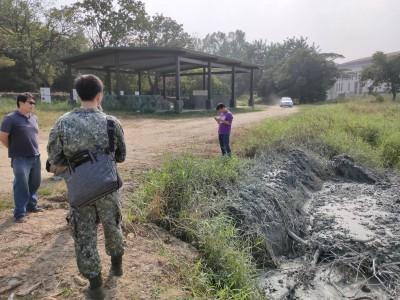 陸軍官校管線施工污染鳳山溪 高市環局開罰包商