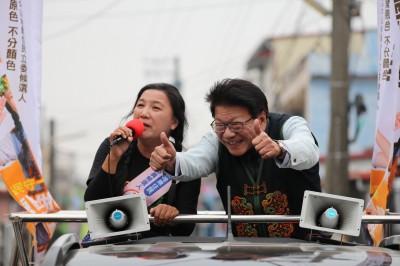 伍麗華選前衝刺  潘孟安陪掃街:為屏東原住民拼1席
