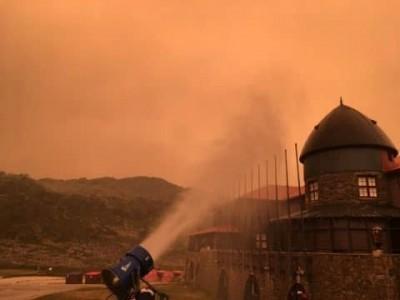 澳洲野火燒不盡 滑雪場出動造雪機抑制火勢