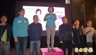 台中何欣純大勝莊子富 自行宣布當選