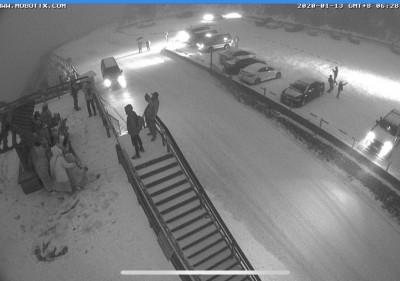 合歡山下雪了! 追雪族注意:翠峰以上進行交通管制