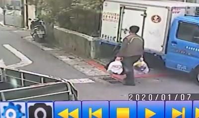 女華僑分屍案》兇嫌殺人後…拎「大包小包」疑外出丟棄