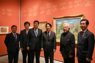 勝選後返台南 賴清德低調陪日本眾議員岸信夫參觀南美館