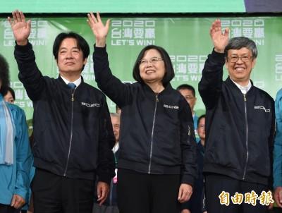 對照敗選者放鴿子 作家:「台灣隊長」平易近人