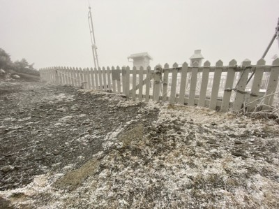 2020年初雪!冷氣團與水氣配合 玉山、合歡山成銀白世界