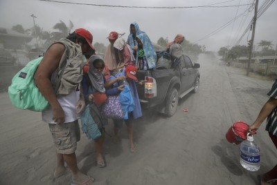 火山恐「爆炸噴發」 菲國政府緊急疏散50萬人