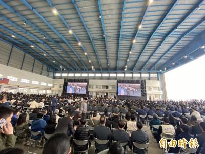 聯合公祭》民眾自發到場追弔殉職將士 坐滿飛機棚廠