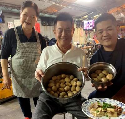 慶祝蔡英文連任 中市這家麵攤用餐送滷蛋