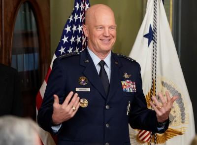 歷史性一刻! 美國首任「太空軍軍令部長」宣誓就職