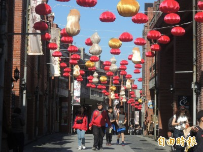 全國最有年味!宜蘭景點人氣王 霸氣高掛1037個紅燈籠