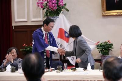日議員訪台見蔡總統 將轉交安倍晉三親筆祝賀信
