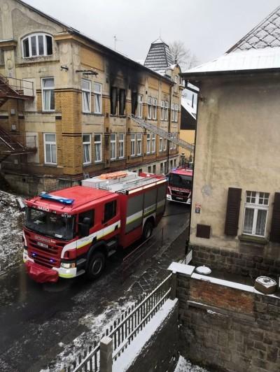 捷克精神病院凌晨失火 已知8死30傷