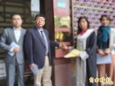 不滿親中媒體控「心虛刪文」 邱毅:我必須提出訴訟