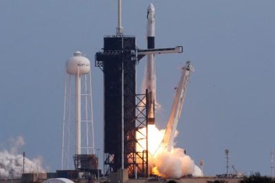 SpaceX「飛龍號」通過緊急逃生測試 最快第2季載人上太空