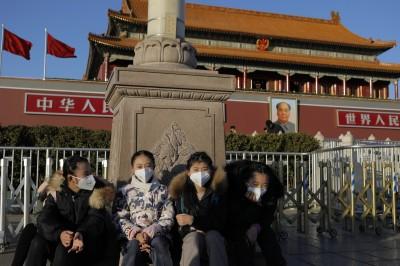 武漢肺炎》中國民眾瘋買口罩 各大網購平台都被搶到缺貨