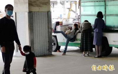 武漢肺炎》中港澳班機旅客入境 即起須填寫「旅客健康聲明卡」