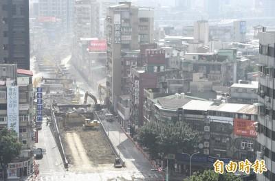 中正橋引道拆除進度超前 拚大年初三晚間7點通車