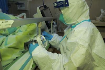 武漢肺炎》稱疫情可控卻染病 中國專家:一種抗愛滋藥對我很有效