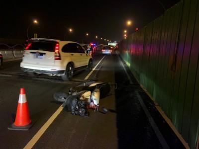 騎士追撞噴飛遭後車輾死 高屏大橋除夕夜大塞車