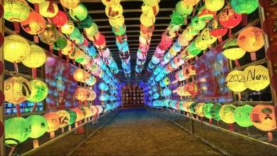 祈福燈區特別  台南六甲恒安宮1000顆花燈隧道迎接走春