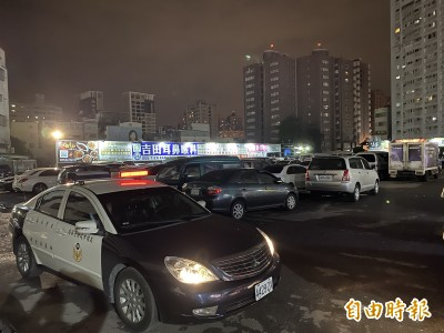 高雄瑞豐夜市驚傳圍毆擄人案!7警車出動追緝救援