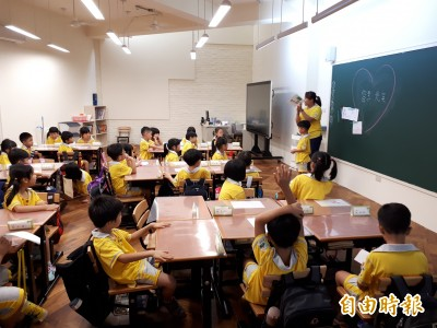 中小學延後開學》小6生「神回覆」 媽媽差點噴飯
