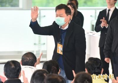 武漢肺炎》周錫瑋稱「口罩從國外進口就好」 網友酸爆:真聰明