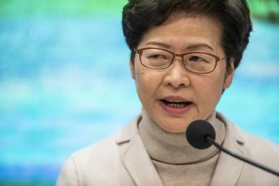 武漢肺炎》香港陷社區感染恐慌 林鄭呼籲:民眾儘量待在家裡