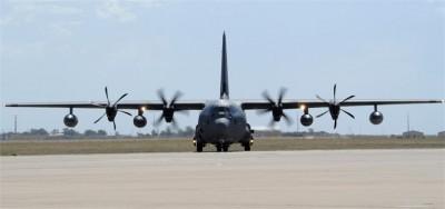 罕見東西二路「護台」 美B-52轟炸機、MC-130J現蹤我國空域