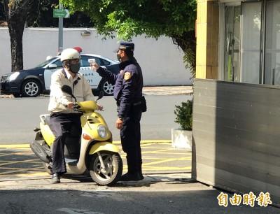 武漢肺炎》陳家欽力挺基層 警政署提供高市警4.5萬個口罩