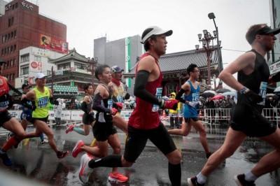 極限運動!京都馬拉松不取消 主辦單位:發口罩給跑者