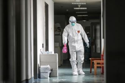數百前線醫務人員恐染武漢肺炎 北京面臨新危機