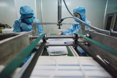 武漢肺炎》中國再挑戰6天蓋口罩工廠