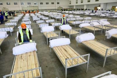 武漢肺炎》武漢再建10間方艙醫院 網驚:到底多少人感染
