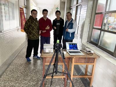 開學防疫神器 二信高中師生研發「高人流紅外線體溫成像儀」
