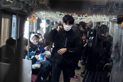 武漢肺炎》乘客「沒戴口罩」狂咳!同車男按緊急停車鈕檢舉