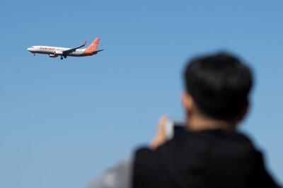 武漢肺炎》中國隔離南韓飛抵山東客機 結果機上大多是中國人...