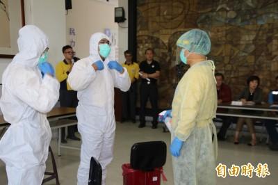 武漢肺炎》防疫作戰站在最前線 救護人員SOP不馬虎