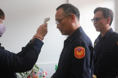 警政署長陳家欽訪新竹市警  允諾持續配發員警口罩