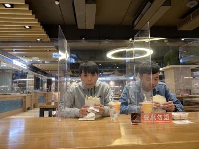 武漢肺炎》多數大學3/2開學 餐廳設隔板、手機熱像儀監測體溫