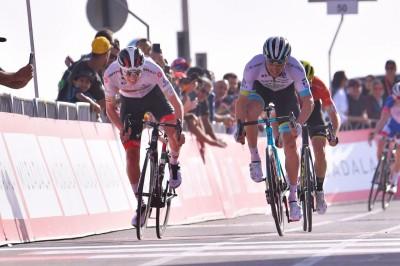 武漢肺炎》2名義大利選手中鏢 阿聯酋自行車巡迴賽緊急取消