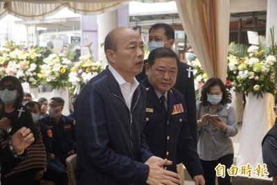 「雙媽」遶境鳳山不取消 韓國瑜3/2「只拜不背」