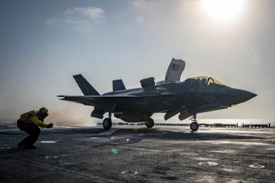 軍武新知》「戰鬥機時代結束」 馬斯克稱無人機將「完勝」F-35