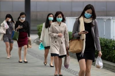武漢肺炎》多起群聚感染 香港確診達百例