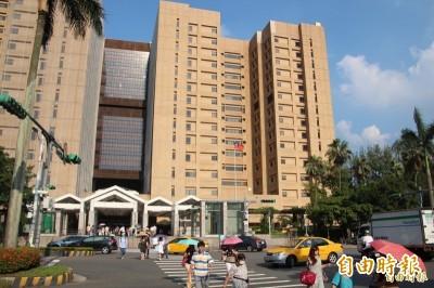 武漢肺炎》嚴格管制進出 台大醫院自9日調整探病次數與時間