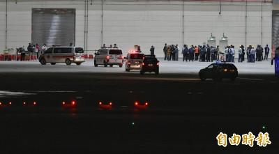 武漢肺炎》21:44武漢包機終於起飛 預計23:53抵台
