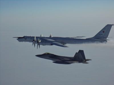 軍情動態》俄機闖阿拉斯加防空識別區 美F-22升空攔截
