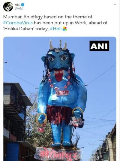 武漢肺炎》燒毀!印度當街焚毀「怪物」...象徵戰勝病毒