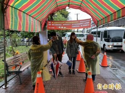 武漢肺炎》中市免費掃墓專車勤防疫  納骨塔堂祭祖每批限50人